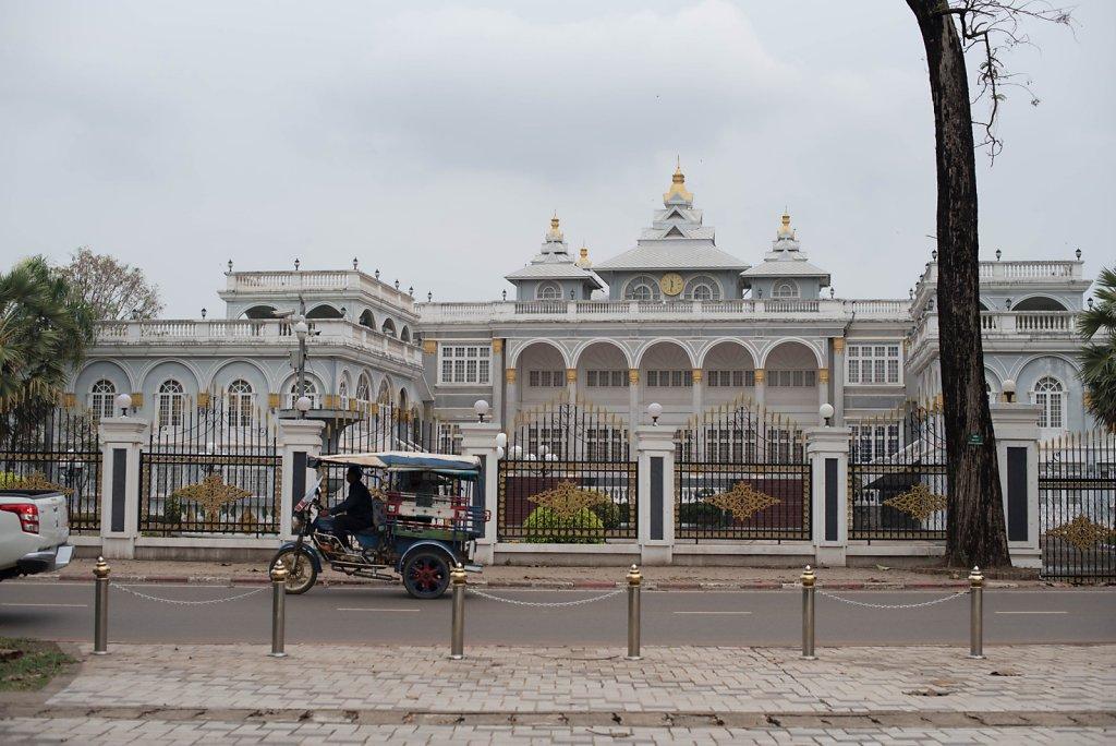 VientianeWeb-6.jpg